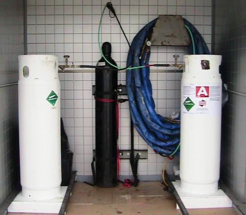 Refillable Large Volume Polyurethane Spray Foam Insulation
